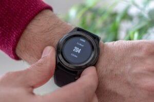 smartwatch showing calorie count